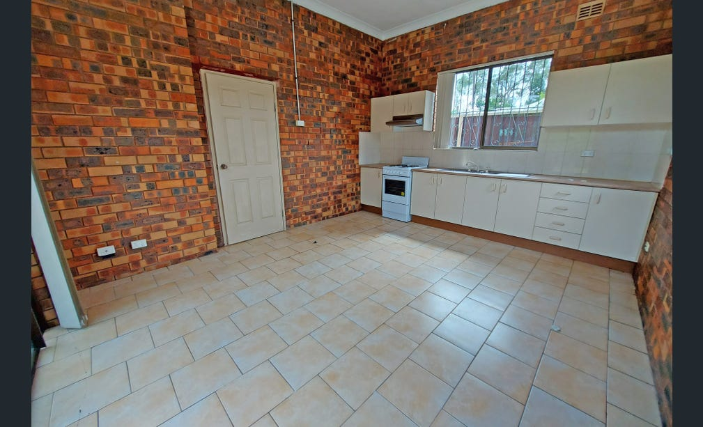 WELL PRESENTED GRANNY FLAT- ONE WEEK RENT FREE